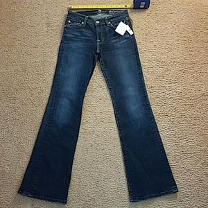 NWTS 7 FOR ALL MANKIND STRETCH DENIM JEANS.